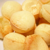 Pao de Queijo (Brazilian Cheese Puffs)